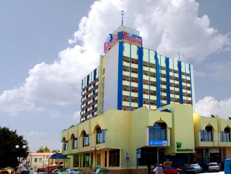 Готель Сім Днів